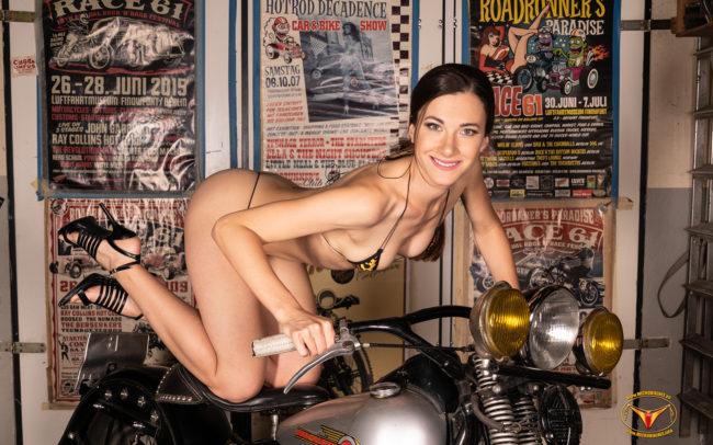 Microbikinis Bikinigirl, Micro Bikini Model Lauren Crist Bikinigirl from the Czech Republic