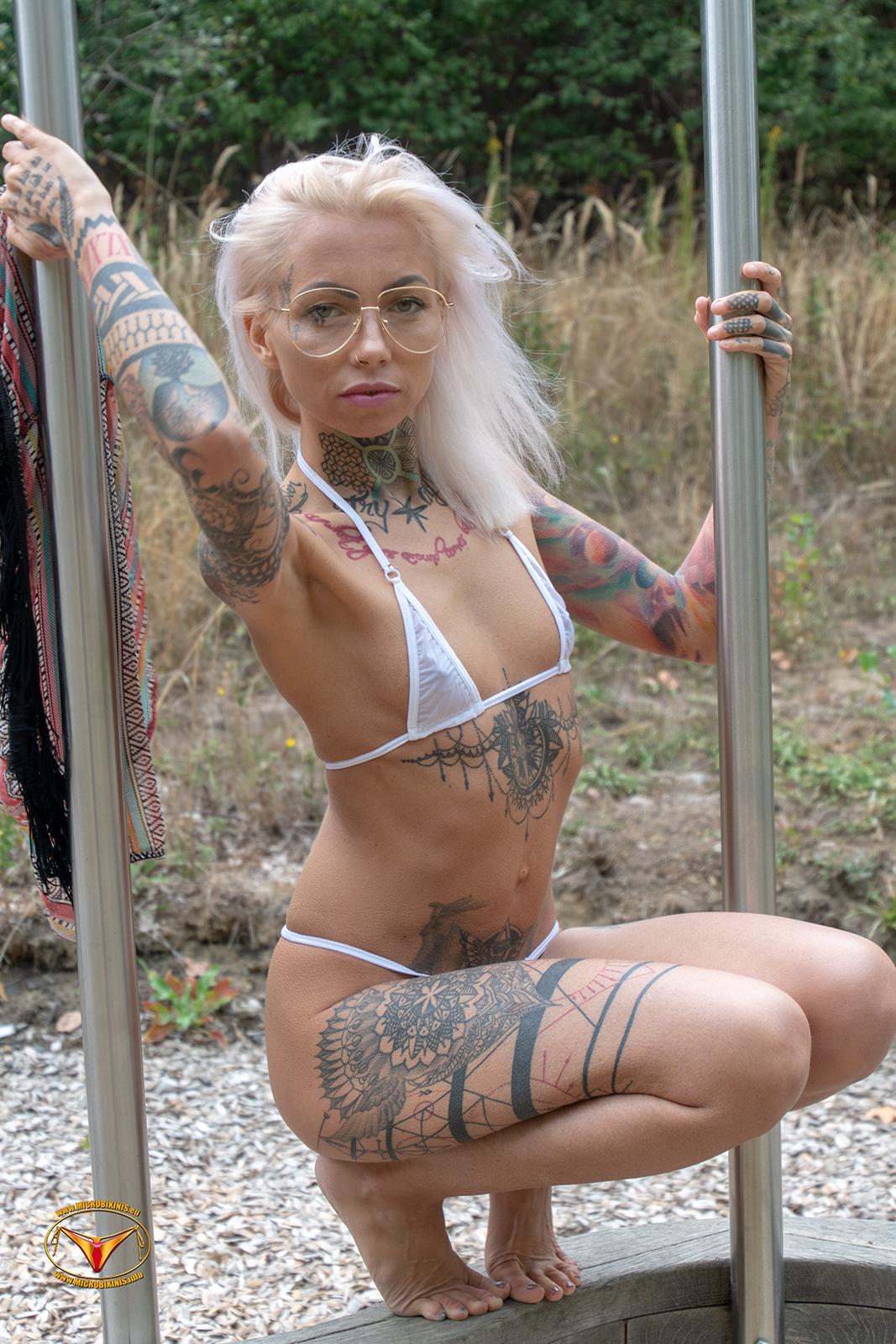 Microbikinis Bikinigirl, Micro Bikini Model SiV-X Bikinigirl from Berlin