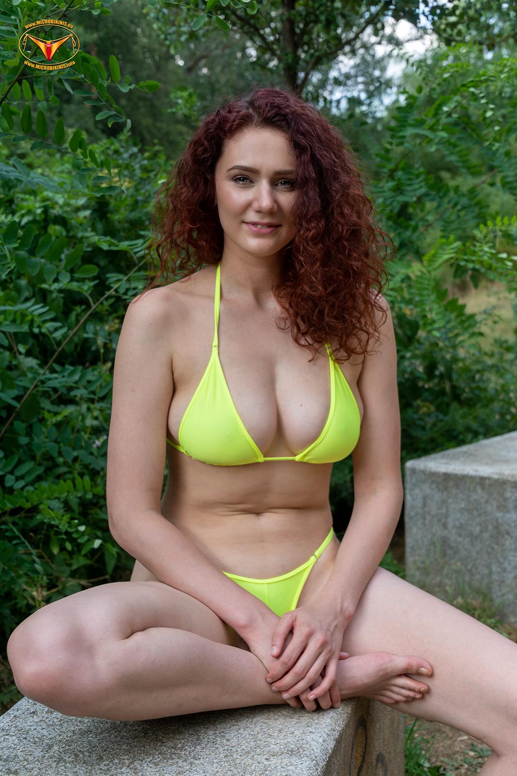 Microbikinis Bikinigirl, Micro Bikini Model Lilith bikini girl from Berlin